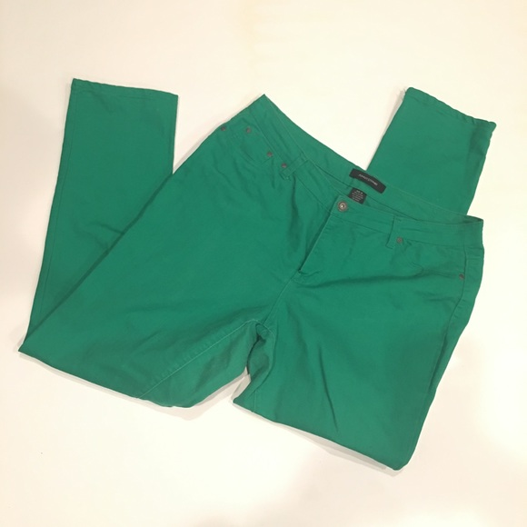 7b5924e8911 Ashley Stewart Denim - Super stretchy Kelly green jeggings